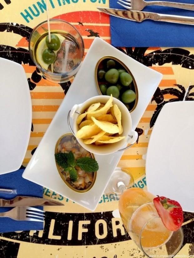 Vermut Espinaler completo -con aceitunas,chips y berberechos de lata- y cóctel