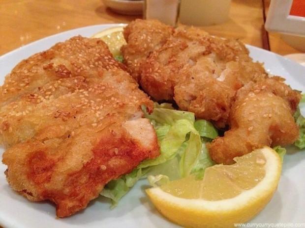 Pollo frito con sésamo, muy bueno.