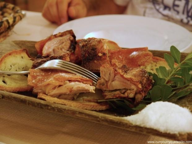 Cochinillo en el restaurante Li Lioni (Cerdeña).