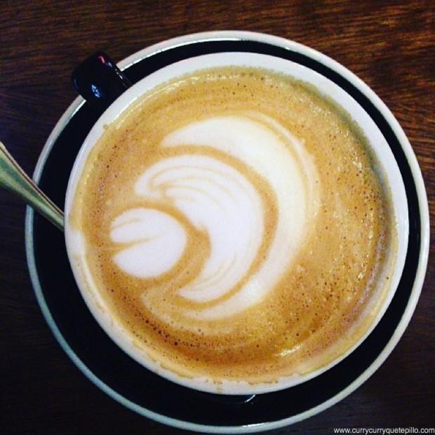 Café con leche en Coffee Tal Cual.