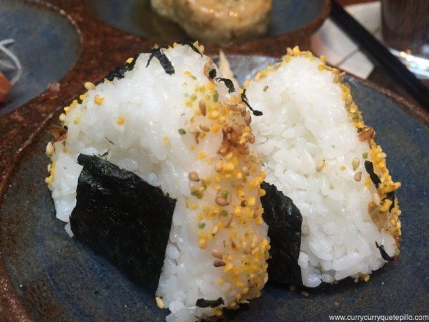 Onigiris del menú Akashi
