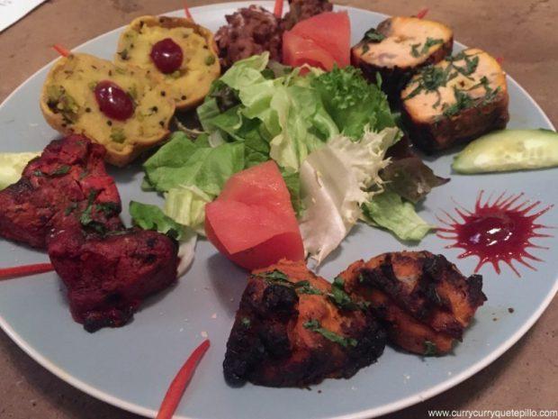 Variado de pescado, carne y verdura.